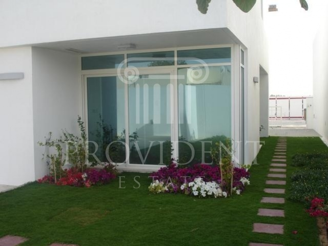 private garden - Decora villa, Acacia Avenues